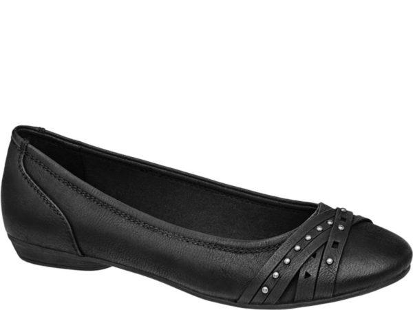 Ob Slim Pants Minirock oder romantisches Sommerkleidchen – der schwarze Ballerina von Graceland mit 1 5 cm Absatz sieht sowohl zu lässigen als auch zu femininen Outfits gut aus Er ist in Lederoptik gestaltet und mit Teilungsnähten im Fersenbereich sowie einer zweireihigen Naht rings um den tiefen Schuhausschnitt versehen Ein schicker Eyecatcher sind die drei zum Teil mit Deko Nieten besetzten Zierriemen auf der Schuhspitze