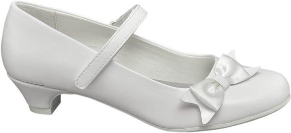 Die weißen Ballerinas aus der Graceland Kinder Kollektion eignen sich optimal für Feiern und Feste Mit dem etwas höheren Absatz und der vorne schmal zulaufenden Form sind sie eine altersgerechte Variante eleganter Pumps und wirken ebenso chic – die perfekte Ergänzung zu einem hübschen Kleid! Akzentuiert wird das unifarbene Design von einem kleinen Riemchen über dem Schuhausschnitt und einer Zierschleife