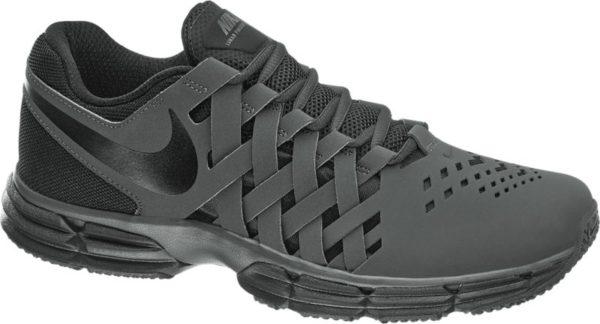 Der Fitnessschuh LUNAR FINGERTRAP TR von Nike punktet mit einem außergewöhnlichen Design ganz in coolem Schwarz Das seitliche Overlay ist in einer trendigen Flechtoptik gestaltet Gefertigt ist der Schuh aus einem Synthetik Mesh Textil Mix Die Linienführung ist maskulin und schlank dank der weichen Polsterung von Schaft und Lasche ist der Sneaker zudem herrlich bequem Label Details und Laufsohle sind Ton in Ton in Schwarz gehalten