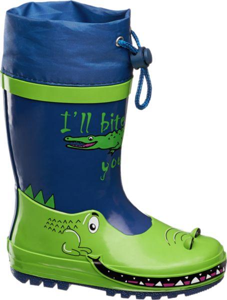 Mit einem frechen Krokodil und einer nicht ganz ernst gemeinten Drohung kommt der blau grüne Gummistiefel von Cortina des Wegs Obermaterial und Sohle bestehen aus Gummi innen sorgt Baumwolle für ein angenehmes Tragegefühl Dank Tunnelzug und elastischem Schnellverschluss im Schaftrand kann auch von oben keine Nässe eindringen Witziges Detail Der Fußbereich des Stiefels ist wie ein Krokodil Maul designt