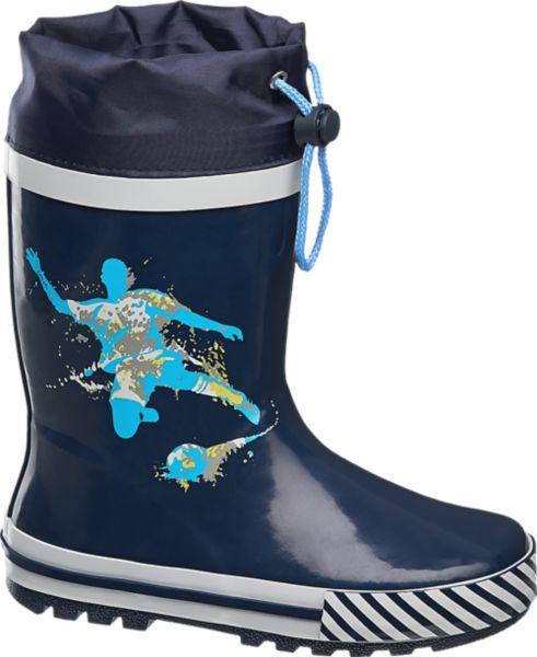 Die blauen Regenstiefel von Cortina trotzen plötzlichen Schauern ebenso wie Matsch und Pfützen Sie sind aus Gummi gefertigt und bieten mit dem Tunnelzug im Schaft auch von oben eindringender Feuchtigkeit Einhalt Die robuste Laufsohle ist griffig profiliert Innen sind die Gummistiefel mit angenehm weicher Baumwolle versehen Ein cooler Print in hellerem Blau ziert die Außenseite
