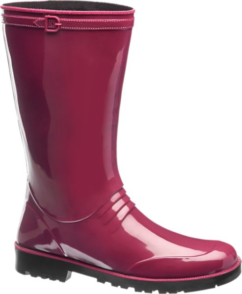 In dem bordeauxroten Gummistiefel von Graceland begegnen Sie schlechtem Wetter mit Charme und Style Er ist schlank und feminin geschnitten und mit der intensiven Farbe und der glänzenden Oberfläche ein toller Hingucker Das leichte aber robuste Material schützt vor Regen und Nässe Innen ist der Regenstiefel mit Textil gefüttert das für ein angenehmes Schuhklima sorgt Laufsohle und 2 6 cm Absatz sind profiliert