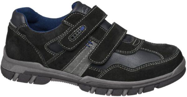 Der Halbschuh von Memphis One überzeugt durch sein cooles Design in schlichten Farben Der schwarze Schuh wird von grauen Elementen durchbrochen Dabei bildet das blaue Innenmaterial aus atmungsaktivem Mesh einen zusätzlichen farblichen Kontrast Graue Ziernähte schmücken den gesamten Schuh Ein 2 fach Klettverschluss erleichtert das An und Ausziehen Das Logo ist in Grau auf der Lasche zu finden