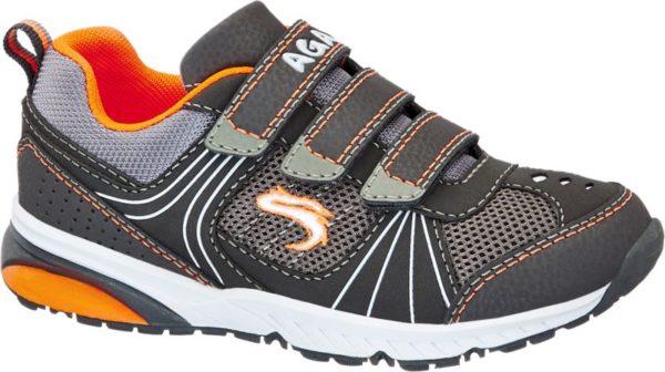 dieser Klettschuh von AGAXY ist ein moderner Schuh im sportlichen Design Mit den drei Klettverschlüssen kann die Passform individuell verstellt werden – So hat der Fuß bei jeder Gelegenheit immer die richtige Bewegungsfreiheit Er eignet sich aufgrund seines luftigen Stils vor allem als lockerer Schuh in den Frühlings und Sommermonaten Den leichten Schuh gibt es in der auffälligen Farbkombination von Grau und Orange