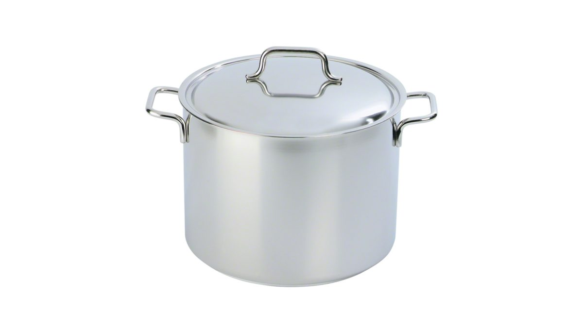 Liebhaber der klassischen Küche werden um den Kochtopf mit Deckel aus der Serie Apollo nicht herumkommen. Der Kochtopf mit Deckel ist besonders für die Zubereitung von Fleisch
