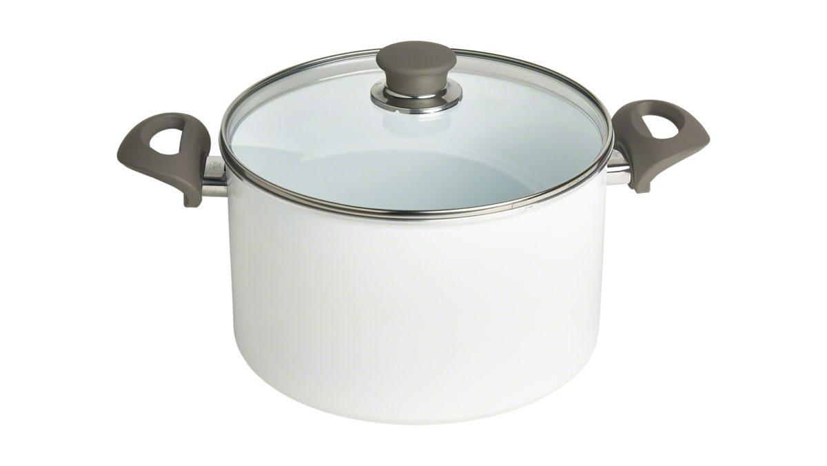 Mit dem hohen Treviso Topf mit Glasdeckel von BALLARINI tauchen Sie ein in die Leichtigkeit der mediterranen Küche. Das Modell verfügt über eine dauerhaft weiße KERAMIC Antihaftversiegelung in zwei Schichten