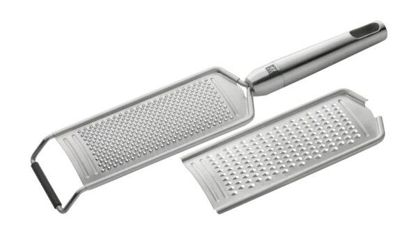 Bei der praktischen Multireibe der Serie TWIN® Pure Steel aus dem Hause ZWILLING stehen zwei austauschbare Reibflächen zur Verfügung