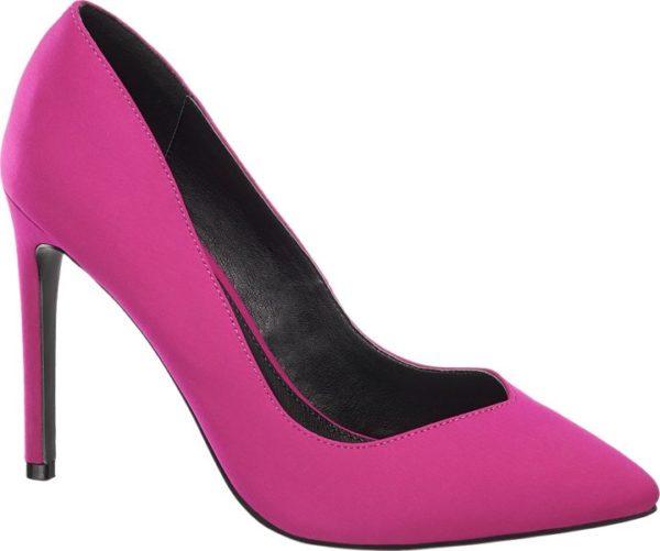 Mit ihrem beeindruckenden 10 cm Pfennigabsatz und dem tiefen Schuhausschnitt lassen die Pumps von Blink die Beine optisch länger und schlanker wirken Sie sind schmal und feminin geschnitten und laufen vorne spitz zu Ihr modisches Design macht sie zum perfekten Begleiter für Partys und Clubbing Sie erhalten die stylischen Pumps in zwei knalligen nicht zu übersehenden Farben leuchtendes Blau und poppiges Pink