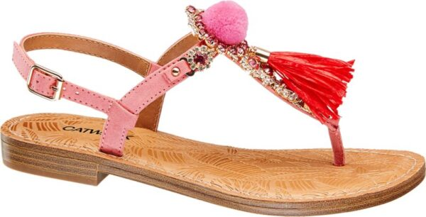 Mit dieser Sandale von Catwalk wird es auffällig Der Schuh überzeugt durch sein besonders kreatives Design welches sich durch zierliche Riemen in Rosa und extravagante Glitzerapplikationen auszeichnet Ein besonderer Hingucker ist natürlich der Fransenanhänger welcher sehr präsent auf dem Zehensteg thront Dabei punktet der Schuh mit einem 1 5 cm hohen Absatz Somit ist diese Sandale ideal für den Alltag einen Stadtbummel oder die Abendgarderobe