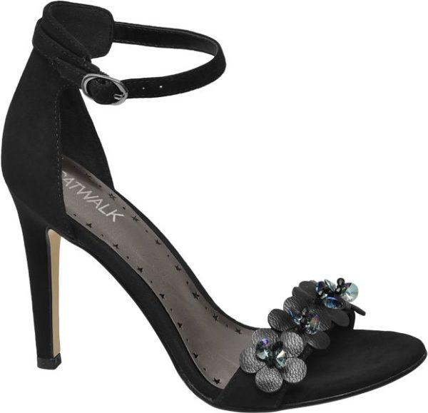 Königinnen der Nacht haben in der schwarzen Sandalette von Catwalk einen glanzvollen Auftritt Der stylische Schuh mit rasantem 10 5 cm Pfennigabsatz ist vorne und an den Seiten offen gearbeitet – perfekt für rauschende Sommer Partys! Durch den geschlossenen Fersenbereich und das Knöchelriemchen hat der Fuß guten Halt Gefertigt ist die Sandalette aus einem Synthetik Textil Mix Highlight die schillernden Pailletten auf dem Riemen über dem Spann
