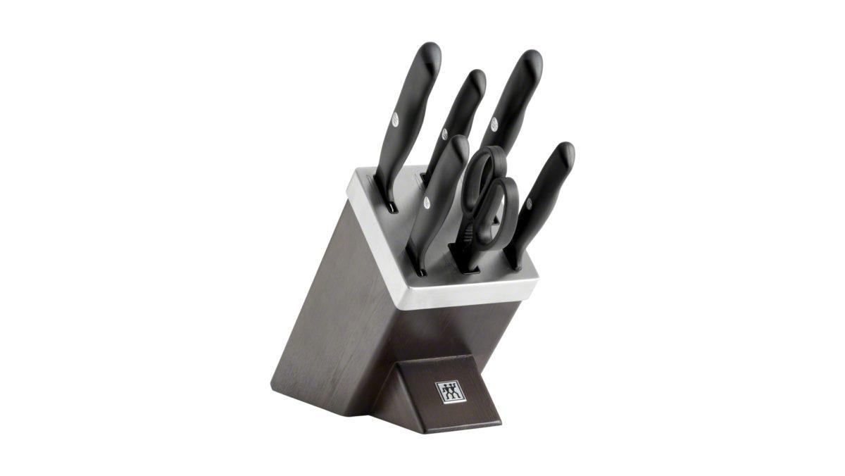 Der ZWILLING SharpBlock mit KIS Technologie aus der Serie Life kann weit mehr als andere Messerblöcke: Er ist ein optisches Highlight für Ihre Küche