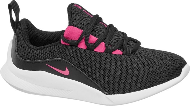 Der schwarze Sneaker Viale von Nike punktet mit Top Trageeigenschaften Ausgestattet mit einer Lightweight Sohle und gefertigt aus Mesh und Textil ist er ein echtes Leichtgewicht das jeden Schritt zum Vergnügen macht Der Schnitt ist bequem und kindgerecht – die Ferse ist für guten Halt verstärkt außerdem erleichtern Elastband Schnürung und Zugschlaufe die Handhabung Details in Hot Pink runden das Design ab