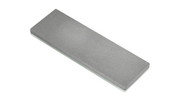 Mit einem passenden Wetzstein kann die Qualität sowie die Schärfe eines Messers wiederhergestellt werden. Hierbei arbeitet der Wetzstein wie ein Schleifpapier