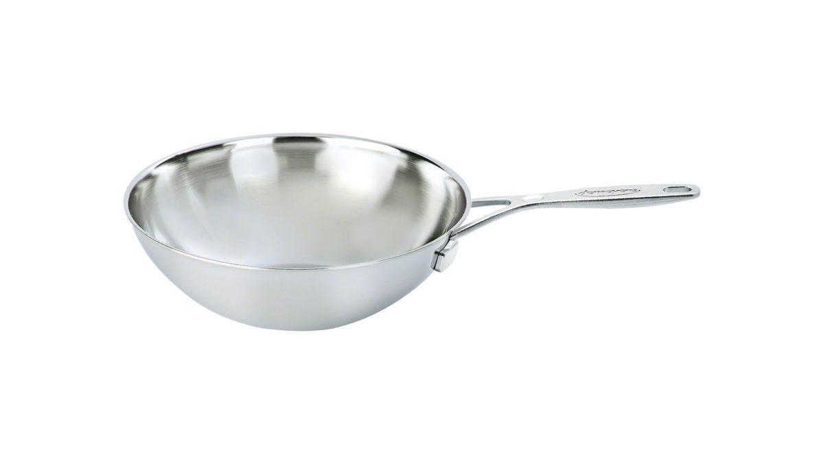 Mit dem Wok aus der Serie DEMEYERE Industry können Sie bei Appetit auf Bratreis oder Thai-Curry auf allen Herdarten kochen